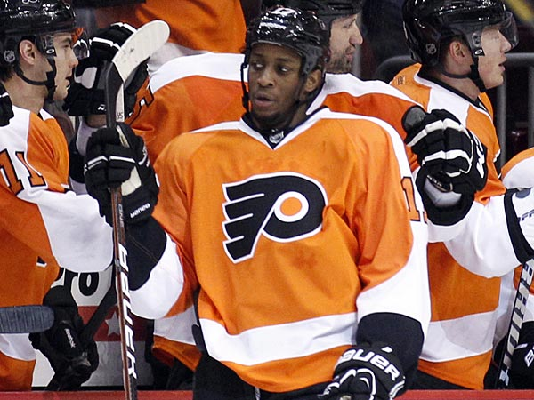 Flyers forward Wayne Simmonds. (Yong Kim/Staff Photographer)