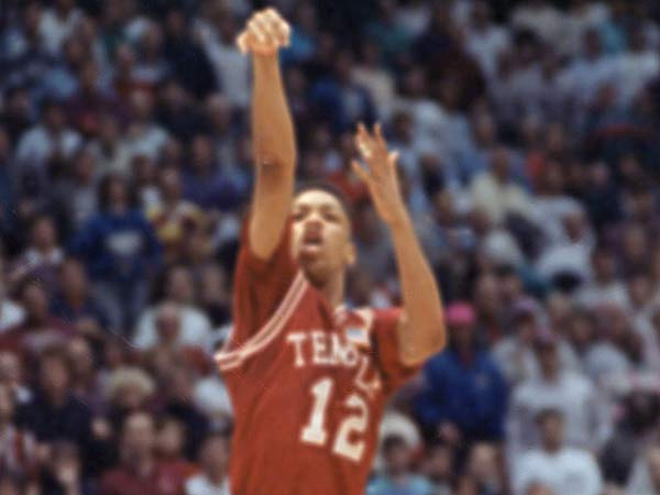 It was 25 years ago this week when the first Big 5 team rose to No. 1 in the polls. That would be John Chaney´s great 1987-88 Temple team. (AP file photo)