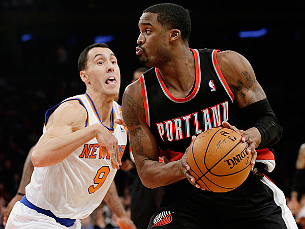 The Knicks´ Pablo Prigioni defends the Trail Blazers´ Wesley Matthews. (Frank Franklin II/AP)