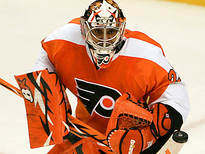 Flyers goalie Ray Emery, who has a sore left hip, will not skate for 3 weeks as a precautionary measure. (Yong Kim/Staff Photographer)