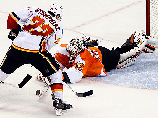 Flyers goalie Ray Emery. (Tom Mihalek/AP)