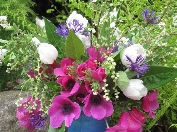 Flower arrangement (via Parade)