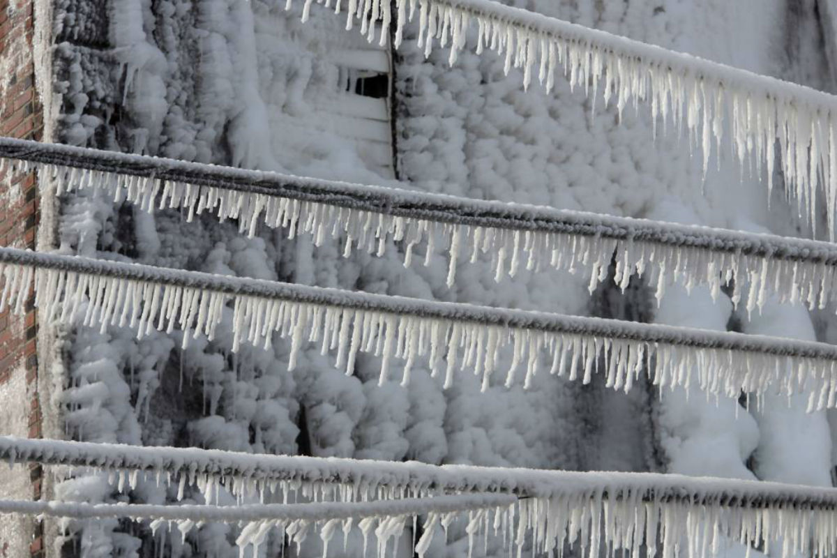 Icicles in West Philly in last February´s cold snap; a weekend of cold memories coming.