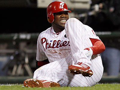 As he ruptured his Achilles´ tendon, Ryan Howard placed himself on the wrong side of playoff history with this at bat.  (Yong Kim/Staff file photo)
