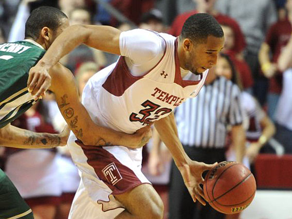 Temple´s Rahlir Hollis-Jefferson is intentionally fouled by Charlotte´s Pierria´ Henry after stealing the ball during a game on Feb. 6. (Clem Murray/Staff Photographer)