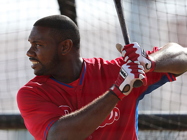 Ryan Howard takes batting practice. (David Maialetti/Staff Photographer)