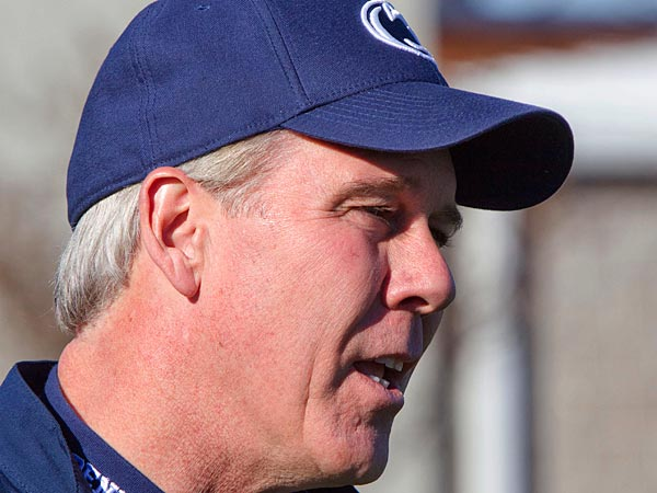 Ron Vanderlinden was moved from LB coach to oversee Bill O´Brien´s special teams. (AP Photo/Brandon Wade)