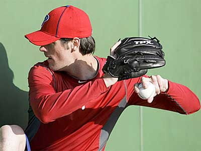 Phillies starter Cole Hamels works out at spring training in Clearwater. (Yong Kim / Staff Photographer)