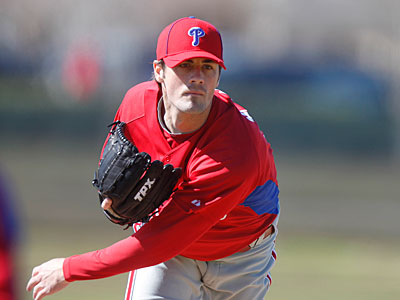 Cole Hamels partakes in field exercises during spring training at Bright House Field in Clearwater, Fla. ( David Swanson / Staff Photographer )