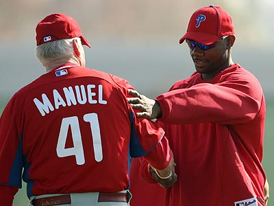 "Ryan Howard said he is ""negotiating"" moving closer to the plate, as suggested by Charlie Manuel. (Yong Kim/Staff Photographer)"