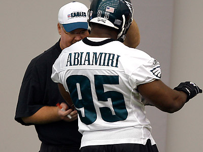 Victor Abiamiri struggled for much of the 2009 season. (David Maialetti/Staff file photo)