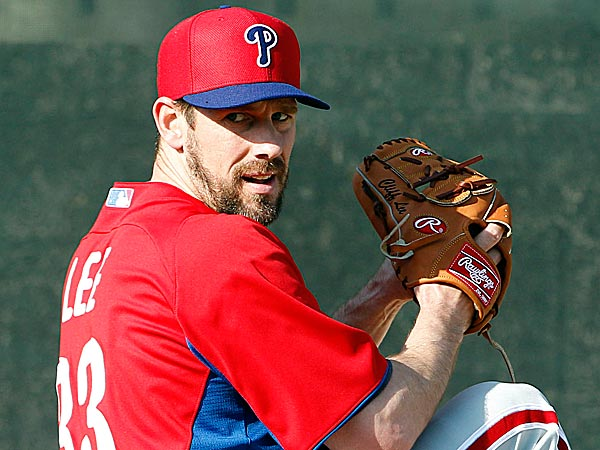 While some players might like to spout off bulletin-board material one year and talk about having a chip on their shoulder the next, Cliff Lee doesn´t get mixed up in emotions. (Yong Kim/Staff Photographer)