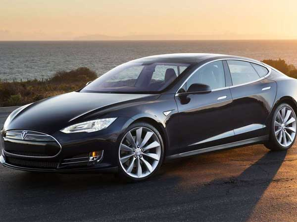 The 2013 Tesla Model S. (Photo: Tesla / MCT)