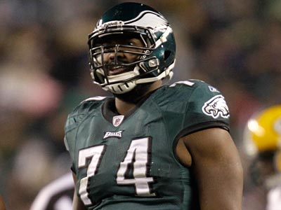 Eagles right tackle Wintson Justice will undergo surgery on his knee tomorrow. (Rob Carr/AP Photo)