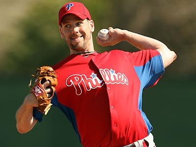 Cliff Lee threw 40 pitches to live hitters in Day 2 of live hitting at spring training. (Yong Kim/Staff Photographer)