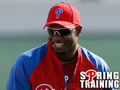 An MRI revealed that Dom Brown´s sprained thumb is not seriously injured. (Yong Kim/Staff Photographer)