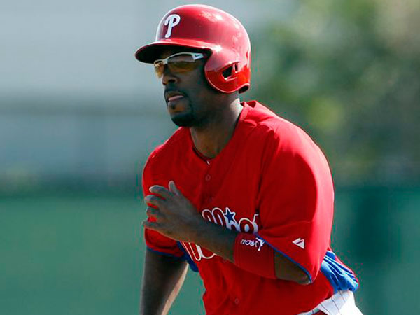 Jimmy Rollins runs the bases during spring training drills in Clearwater, FL on Saturday, February 16, 2013. (Yong Kim/Staff Photographer)