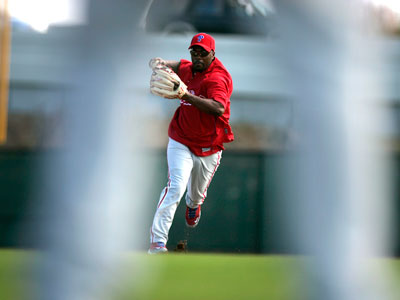 Phillies shortstop Jimmy Rollins practices drills during spring training in Clearwater, Fla. (David Swanson / Staff Photographer)
