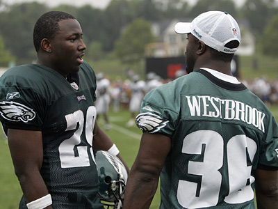 Brian Westbrook, right, is no longer a part of the Eagles´ plans, making LeSean McCoy the team´s new lead runner. (AP Photo/Rich Schultz)