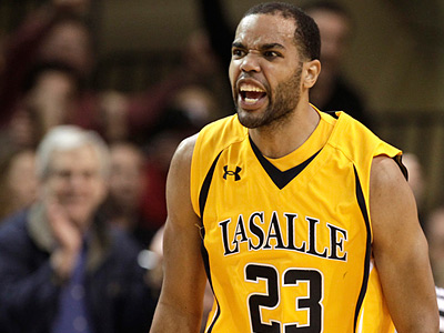 La Salle´s Earl Pettis scored a career-high 33 points in Wednesday´s loss to Temple. (David Maialetti/Staff Photographer)