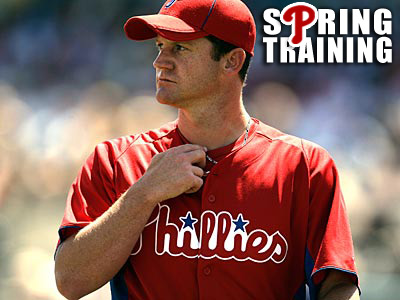 The Phillies never closed the door on Roy Oswalt this winter, but were never seriously involved. (David Maialetti/Staff file photo)