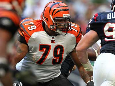 The Eagles will sign offensive tackle Stacy Andrews, brother of Shawn Andrews. (File photo)