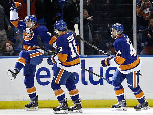 The Islanders´ Anders Lee (27) celebrates a goal during the third period of an NHL hockey game against the Toronto Maple Leafs Thursday, Feb. 27, 2014, in Uniondale, N.Y. The Islanders won the game 5-4 in overtime. (Frank Franklin II/AP)