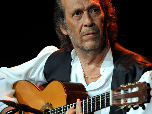 Paco de Lucía merged flamenco with jazz, playing with fusion greats such as John McLaughlin and Chick Corea.