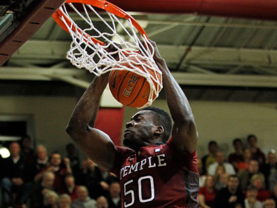 Temple center Micheal Eric and the Owls can clinch their second A-10 title in three seasons Wednesday night. (Alex Brandon/AP Photo)