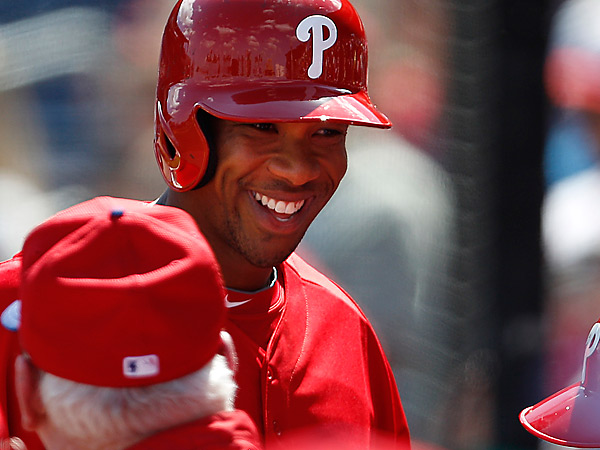 The Phillies´ Ben Revere smiles after he scores on a double by Ryan Howard during the 1st inning. (David Maialetti/Staff Photographer)