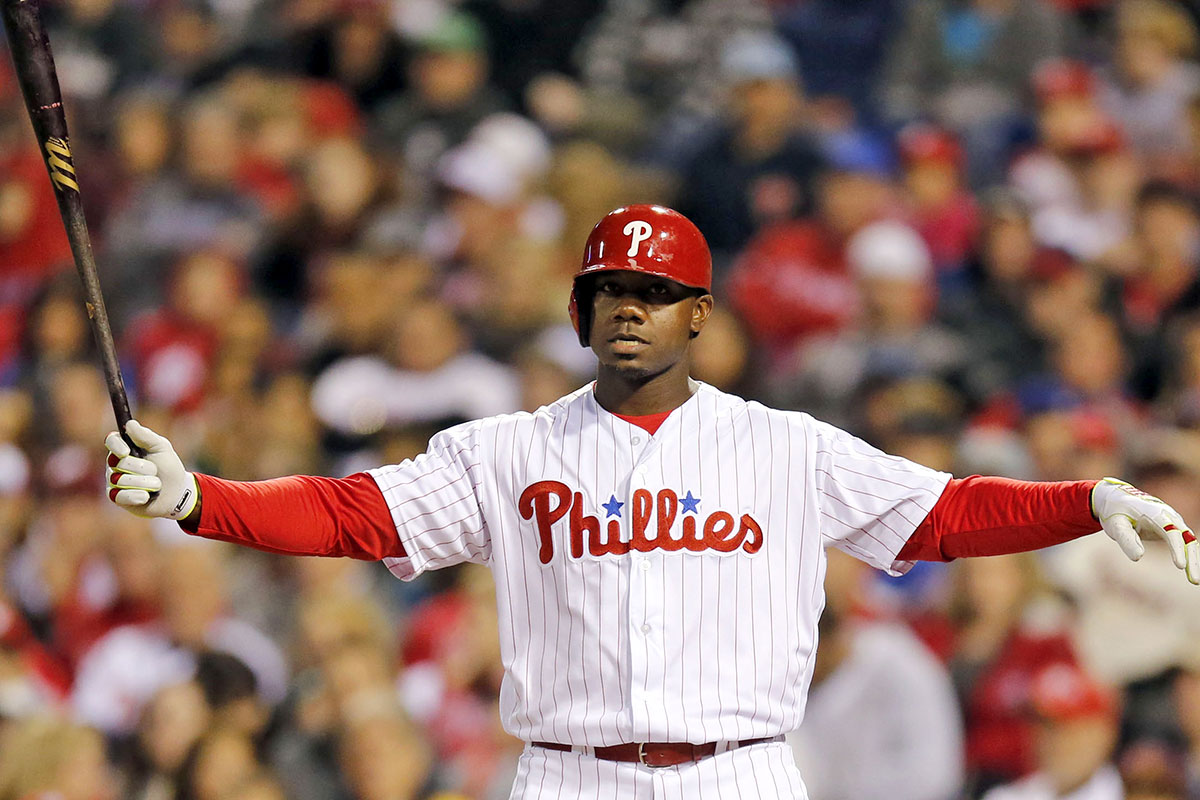Phillies' Howard may sit Sunday against righthander