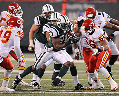 Thomas Jones has reportedly signed with the Chiefs. (AP).