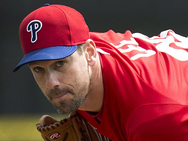 Philadelphia Phillies starting pitcher Cliff Lee warms up for the<br />first inning against the Toronto Blue Jays in a spring training<br />baseball game Saturday, March 2, 2013, in Dunedin, Fla. (AP Photo/The<br />Canadian Press, Nathan Denette)