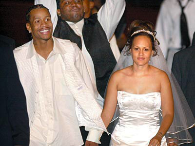 Allen and Tawanna Iverson on their wedding day in August 2001. (Elizabeth Robertson / Staff Photographer)