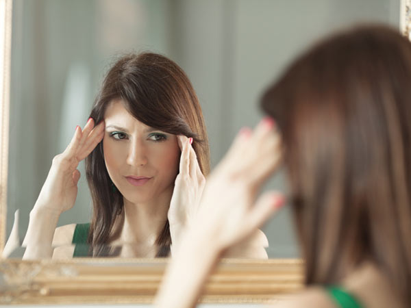 She thinks beauty is all she has going for her, and now she´s worried that she´s losing it. (iStock)