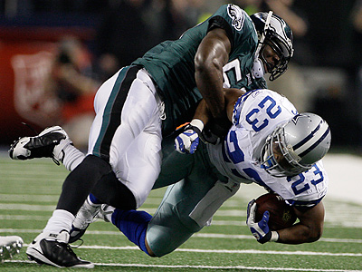 The Eagles have released linebacker Will Witherspoon. (AP Photo/Tony Gutierrez)