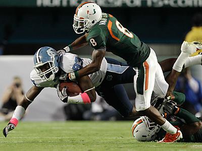 The Eagles plan to work out cornerback Demarcus Van Dyke. (AP Photo/Alan Diaz)