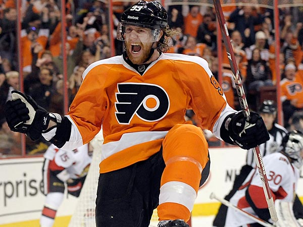 The Philadelphia Flyers&acute; Jakub Voracek, left,  of the Czech Republic,<br />celebrates after scoring a goal past the Ottawa Senators&acute; Ben Bishop,<br />right, during the second period of an NHL hockey game, Saturday, March<br />2, 2013, in Philadelphia. (AP Photo/Michael Perez)