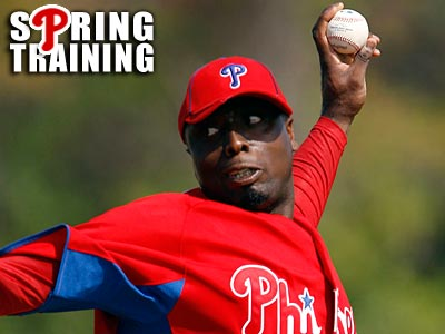 Dontrelle Willis could pitch in a Grapefruit League game as early as Thursday. (Yong Kim/Staff Photographer)