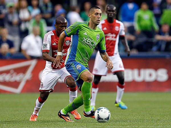 Seattle´s Clint Dempsey (center) and Portland´s Darlington Nagbe (left) will be among the top stars to watch in Major League Soccer´s Western Conference this year. (Ted S. Warren/AP file photo)