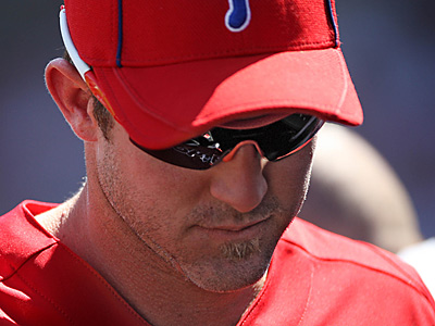 Chase Utley is still unable to take fielding practice.  (David M Warren/Staff Photographer)