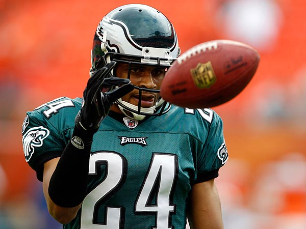 Asomugha releases statement after being released by Eagles