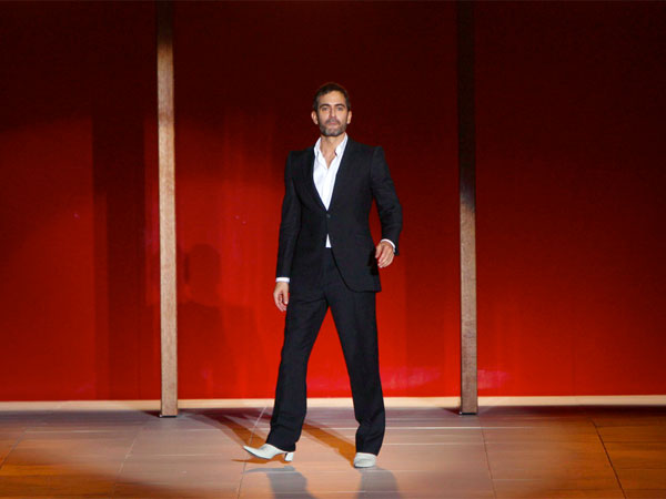 Marc Jacobs greets the crowd after showing his Spring 2013 collection during Fashion Week in New York, Monday, Sept. 10, 2012.  (AP Photo/Seth Wenig)
