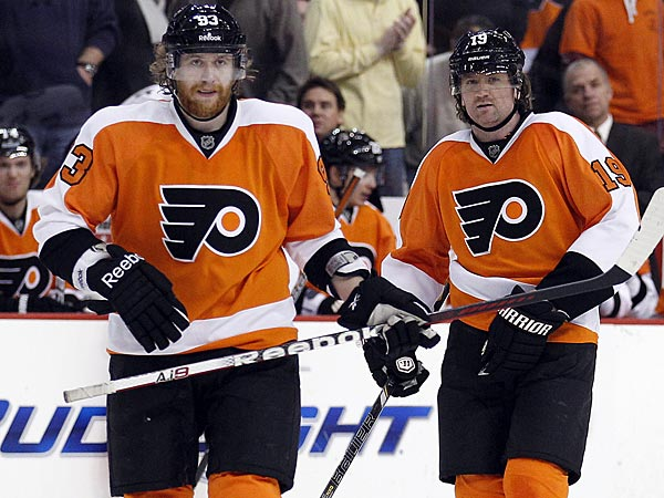 Flyers wingers Jakub Voracek and Scott Hartnell. (Yong Kim/Staff Photographer)