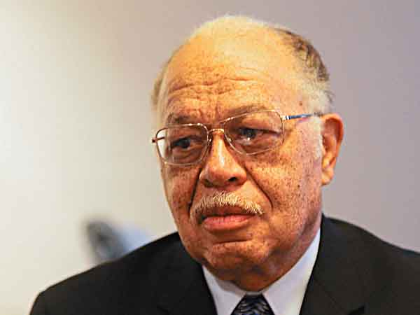 Dr. Kermit Gosnell and his lawyer, William Brennan, talks to DN reporter on Monday, March 8, 2010.  (Yong Kim / Staff Photographer)