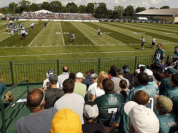 Eagles to hold training camp in Philadelphia, not Lehigh