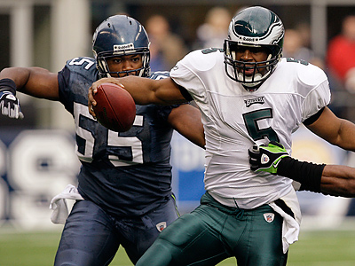 Darryl Tapp has played in all 16 games in each of his four NFL seasons. (Elaine Thompson/AP file photo)