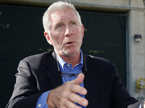 Hall of Famer and former Phillies third baseman Mike Schmidt speaks at a news conference at the team´s spring training complex on Sunday, March16, 2014. (Mike Carlson/AP)