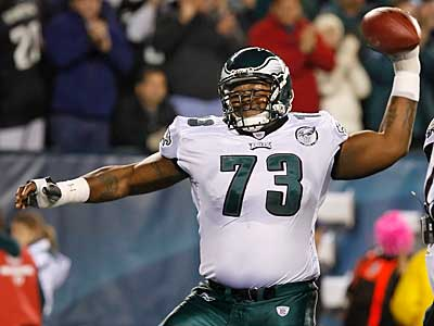 The Eagles announced today that they released Shawn Andrews. (Ron Cortes / Staff Photographer)