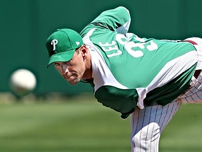 Cliff Lee rocks a green jersey last year on St. Patrick´s Day. (David M Warren/Staff Photographer)